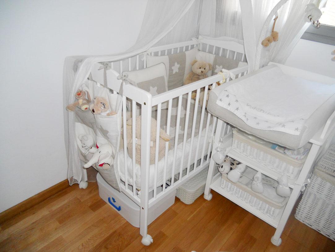 Un dormitorio para valentina room room beb for Dormitorios bebe nina