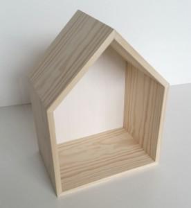casita blanca madera